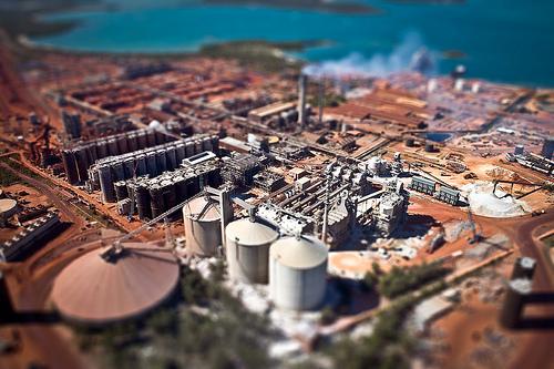 alumina refinery.jpg
