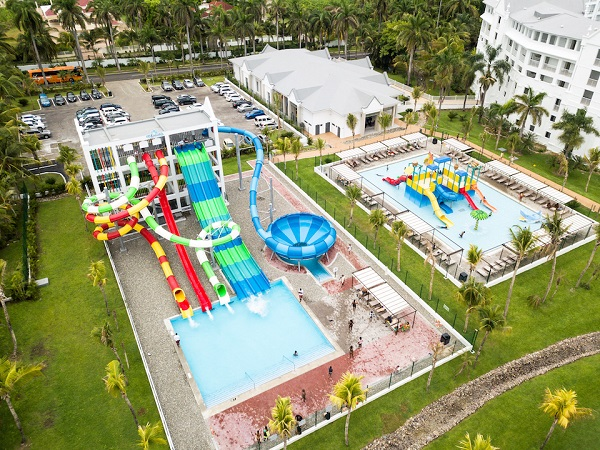 riu-jamaica-splash.jpg